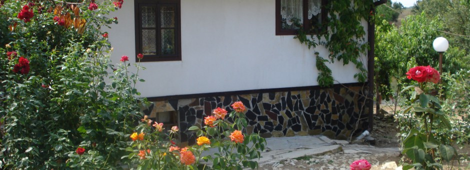 A Fully Renovated and Furnished House with 3000 sqm land, near the Sea, Burgas