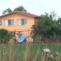 An Amazing House with 3 175 sq m Garden, near Yambol